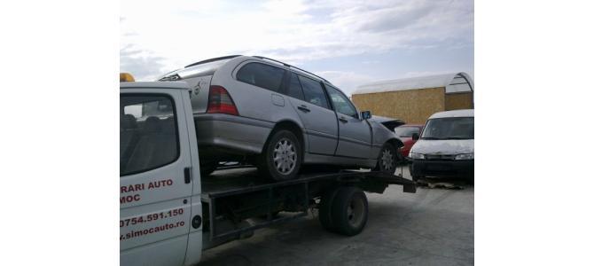 Dezmembrez Mercedes C220