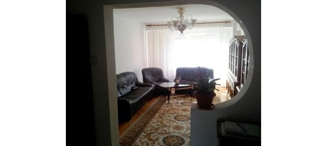 Apartament cu 3 camera de vanzare zona Rogerius str.Milcovului
