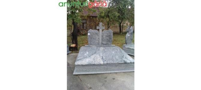 Imprejmuiri Morminte, Monumente,Cruci