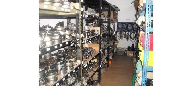 Magazin depozit Oradea piese noi si second cumpara scutere maxiscutere motociclete