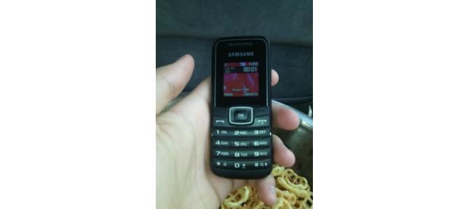 Vand Samsung Gt-E1050 si Nokia C101