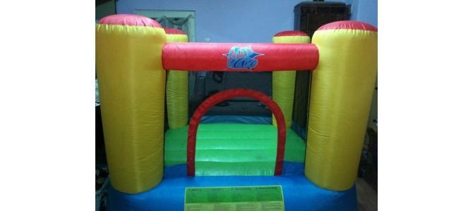 Vand saltea gonflabila pentru copii