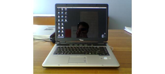 vand laptop fujitsu siemens amilo...450 neg!