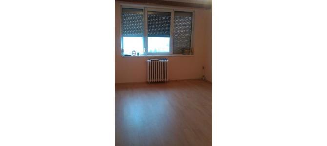 vand apartament 2 camere, Rogerius