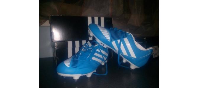 Vand ghete fotbal(adidas) detalii in privat  39 1/3