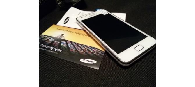 Samsung S2 white 10/10  450 ron fix  0742708282