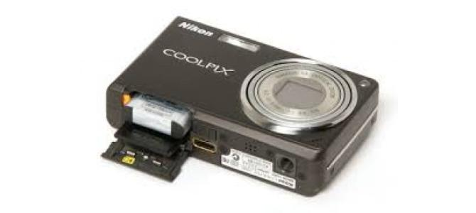 Vand aparat foto Nikon Coolpix s550.