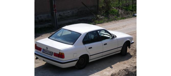 """BMW 520i, ALB , 1988, 129cp, astept oferte """"serioase"""""""