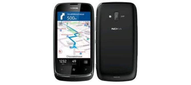 Vand telefon Nokia 610.