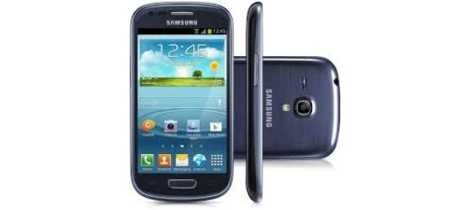 Vand telefon Samsung S3 mini.