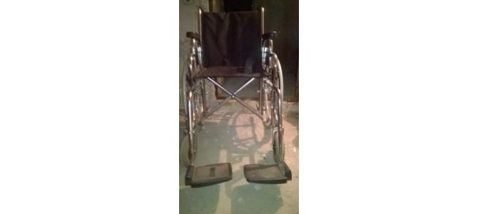 vand carucior pt persoana cu  handicap