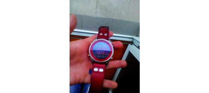 vand Ceas Emporio Armani Red original!!!! 150 euro