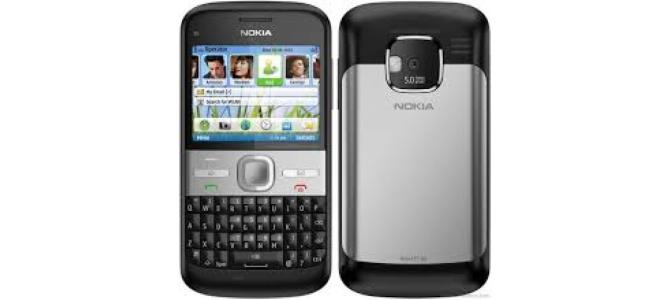 Vand telefon Nokia e5.
