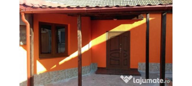 Casa+garaj 130 mp 3 camere zona Piata Decebal