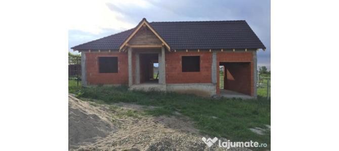 Casa 3 camere in rosu 163mp cu teren 891 mp Paleu Oradea