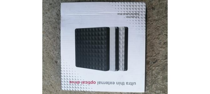 Vand DVD Writer CB31005; USB 3.0 pt. Laptop / PC;  NOU; TESTAT Pret 115 Lei