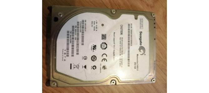Vand HDD Hard Laptop Seagate Momentus ST9250315AS, 250GB DEFECT 15 Lei