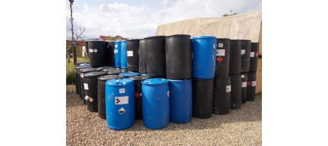 Bidon plastic, 200 litri la Oradea, 70Lei cu capac mic