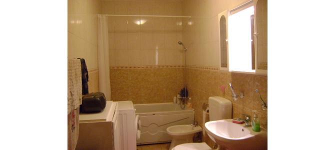 Inchiriez Apartament 2 Camere Complect Utilat si Mobilat