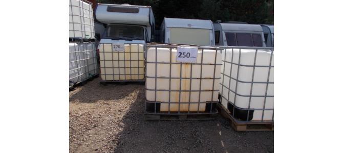bazin de apa 1000 litri la Oradea,  la 250 Lei