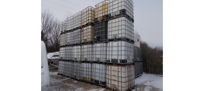Cub rezervor ibc 1000 litri la Oradea, alb la 200 Lei