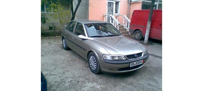 Opel Vectra B. pret.2150 euro