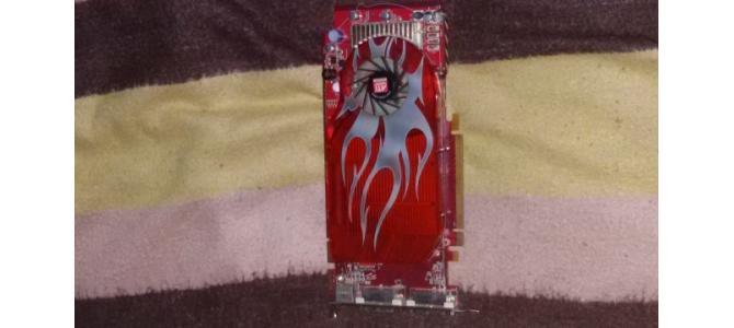 am o Placa Video  ATI Radeon 2600 XT PRO Defect  pentru piese