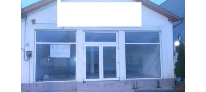 2 spatii comerciale Episcopia 80 m2 si 45 m2