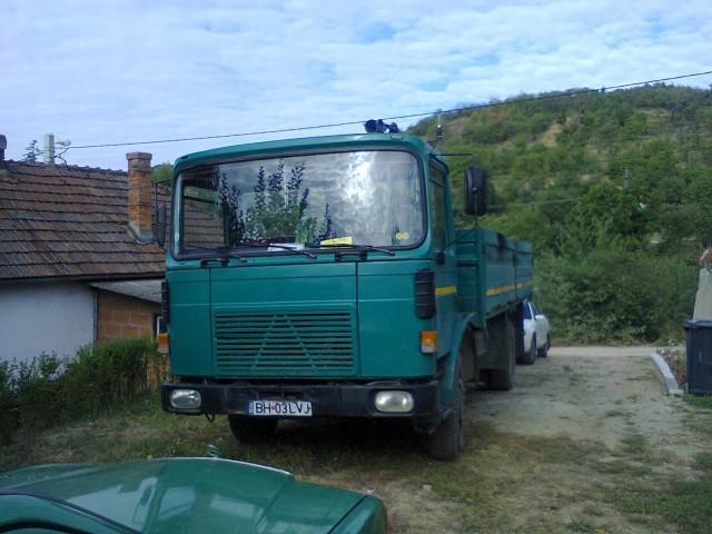 vand dezmembrez camion saviem 10 tone pret 2000 euro negociabil 6986200 oradeahub. Black Bedroom Furniture Sets. Home Design Ideas